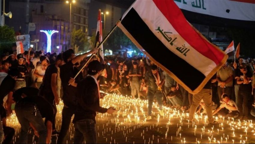 صور وفيديو  قتلى وجرحى في أكبر تظاهرة ليلية ضد النفوذ الإيراني بالعراق