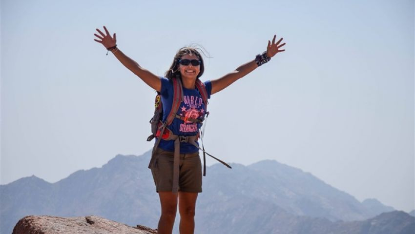 نزلت بعريس.. حكاية أول مصرية تتسلق أعلى قمة في أوروبا