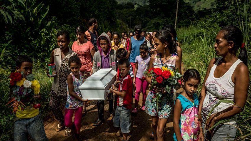 الفرنسية: في فنزويلا.. الموت يفتك بالأطفال جراء نقص الأدوية