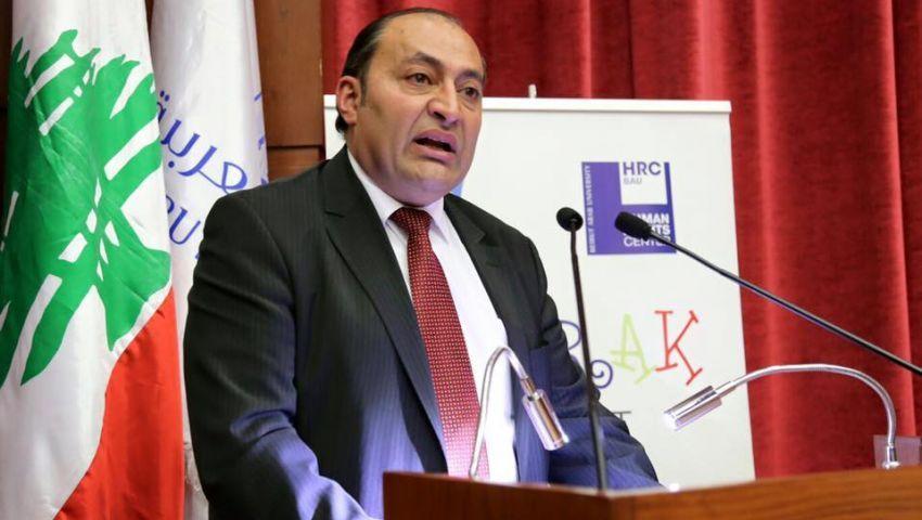 سياسي لبناني يتحدث عن احتجاجات بيروت واستقالة الحريري وساعات الفوضى (حوار)
