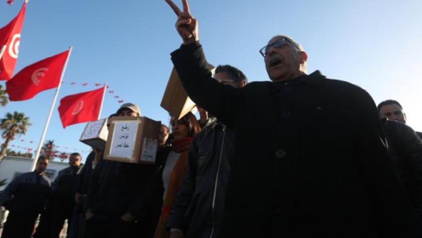 تونس| «رايتس ووتش»: يجب التحقيق في مزاعم الاعتداء «جنسيا» على أحد المتظاهرين