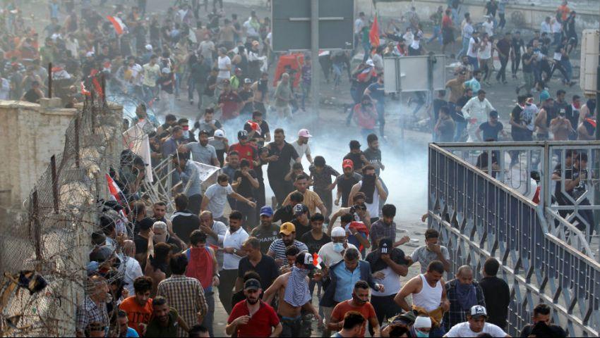 انقطاع خدمة الإنترنت مجددًا بالعراق مع استمرار الاحتجاجات لليوم الـ12 على التوالي