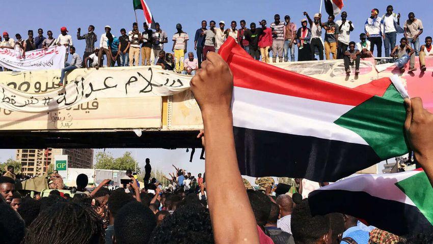 «المؤتمر السوداني»: «المجلس العسكري» يقف حجر عثرة أمام مطالب الثورة