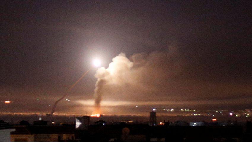 فيديو| أسقط قتلى وجرحى.. تفاصيل القصف الإسرائيلي لمنطقة «تل الشعار» السورية