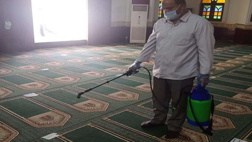 غلق دورات المياه.. مخاوف على أبواب المساجد