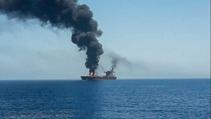 نيويورك تايمز: مع اشتعال حرب ناقلات النفط.. هل ينجح تكتيك الثمانينيات؟