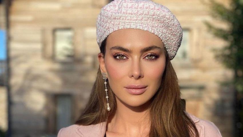 فيديو  وزنه 14 كيلو.. ستيفاني صليبا تتحدث عن فستانها في مهرجان الجونة