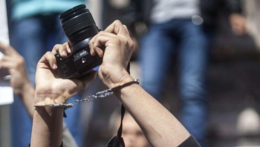 البلشي: الصحفيون المحبوسون يتعرضون لانتهاكات.. وهذه بعض النماذج