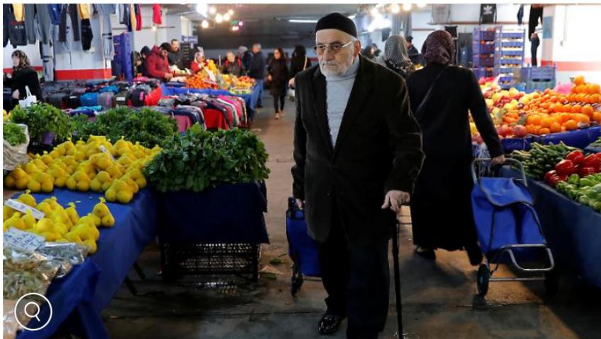 إذاعة ألمانية: التضخم يرهق جيوب الأتراك
