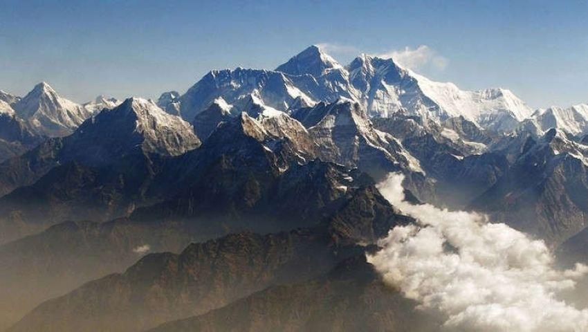 بعمق 400 ميل..علماء يكتشفون جبال ضخمة تحت الأرض