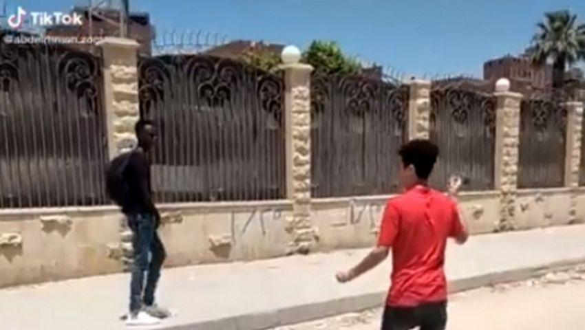 صور وفيديو| التنمر بالأجانب بالقاهرة.. 3 وقائع هزت مواقع التواصل