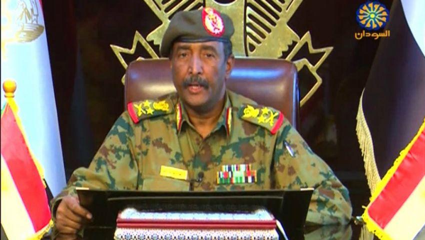 في أول زيارة خارجية.. رئيس «العسكري» السوداني يصل القاهرة