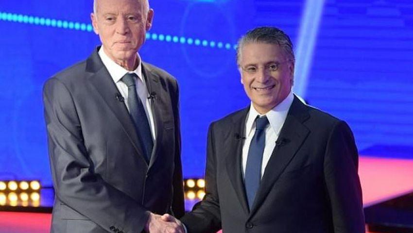 أسوشيتدبرس: مصافحة القروي وسعيد.. تونس تسير نحو الديمقراطية