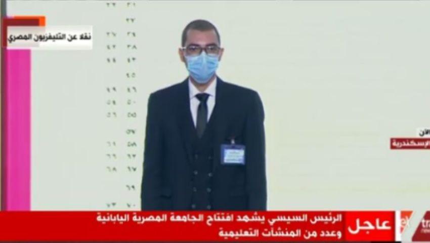 طالب مريض «سرطان» يطالب السيسي بمستشفى.. والرئيس: «حاضر عشان خاطرك»