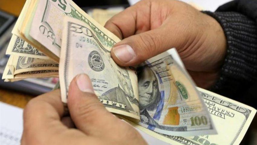 بعد تخفيضه لـ 17.38 جنيه.. الدولار الجمركي يتراجع للشهر الثالث على التوالي