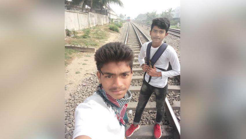 صورة..  الهوس بـ «السيلفي» يقتل طالبًا بنجاليًا