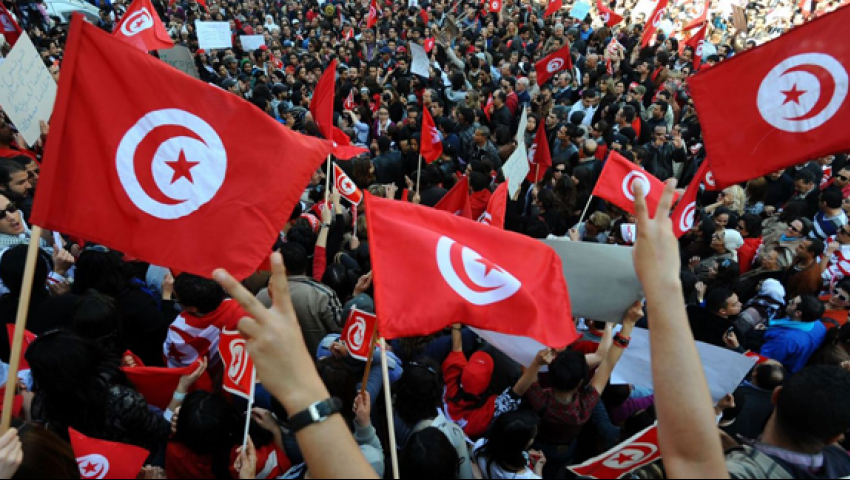 تونس في 2018.. هكذا مزقت السياسة «مهد الربيع العربي»