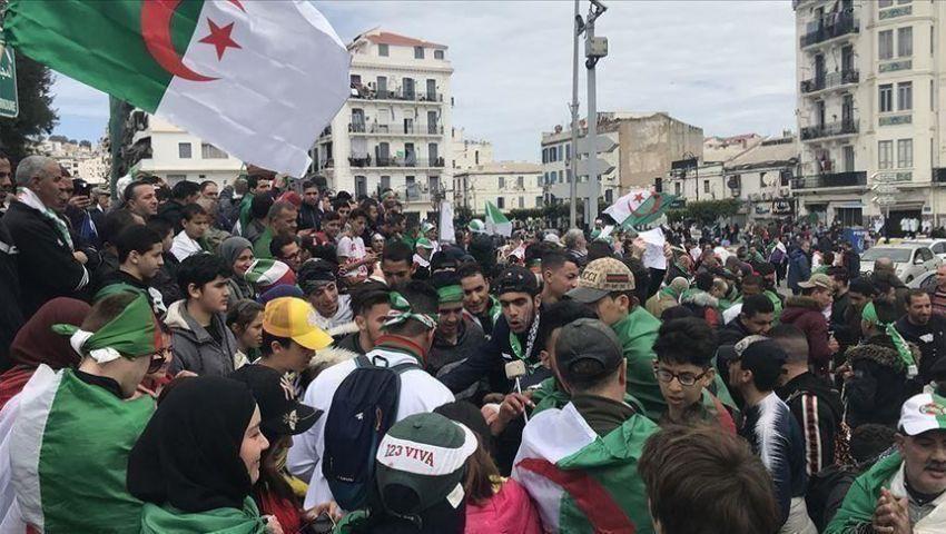 فيديو: مظاهرات الجمعة 28 لحراك الجزائر.. تمسّك برحيل رموز نظام بوتفليقة