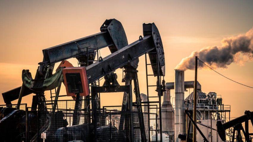 وسط مخاوف من تراجع الطلب.. هبوط أسعار النفط لأكثر من واحد بالمئة