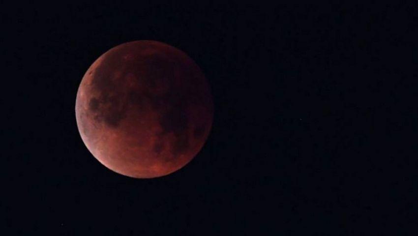 فيديو| تزامنًا مع الظاهرة.. ما هو دعاء خسوف القمر؟