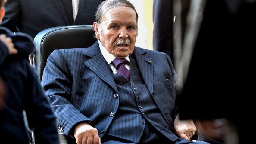 بلومبرج: بوتفليقة «مخلص» الجزائر سقط بالاحتجاجات