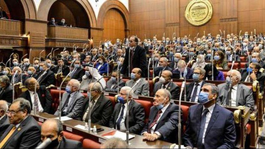 فيديو| رواتب بلا ضرائب.. ما هي امتيازات أعضاء مجلس الشيوخ ؟