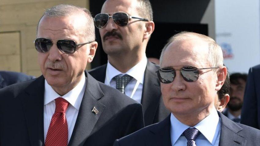 فيديو   طلب من البائعة أن تعيد «الباقي».. بوتين يشتري «آيس كريم» لأردوغان