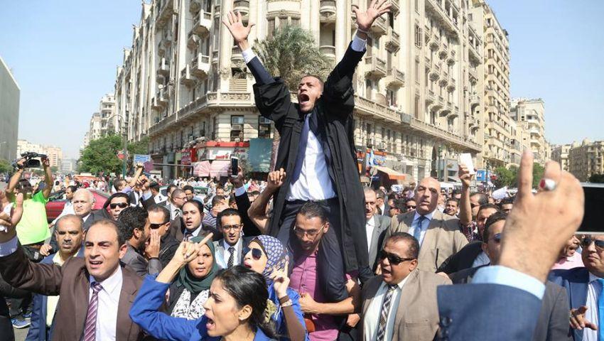 المحامون والشرطة والقضاء.. معارك لا تنتهي وخصومات لا تحسمها المحاكم