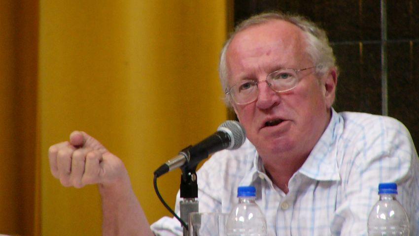 روبرت فيسك يكشف خفايا صفقة الأسلحة الأمريكية مع الأردن