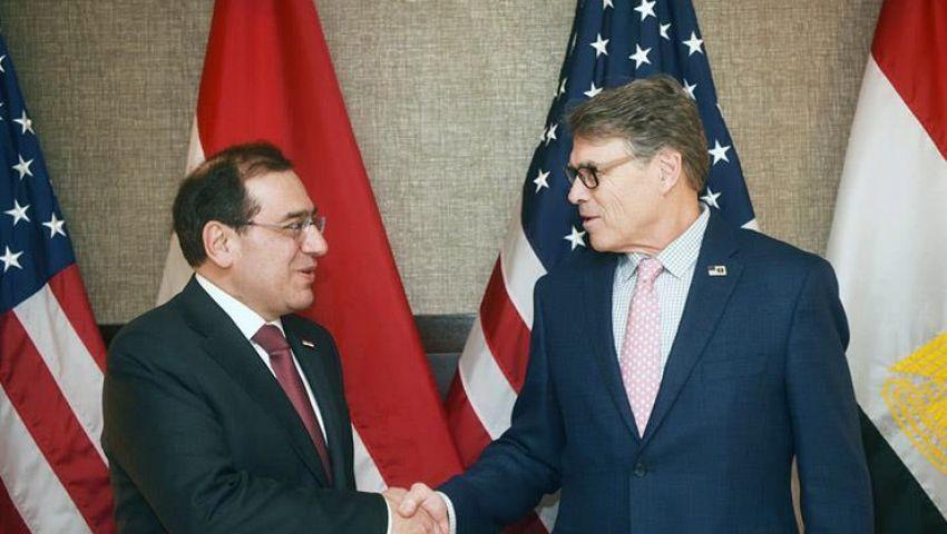مصر وأمريكا تبحثان زيادة التعاون في مجالات البترول