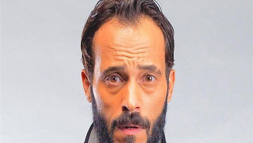 أشرف زكي يعتذر ليوسف الشريف: «هو حر يعمل مشاهد أو لا»
