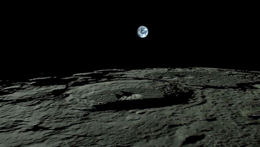 الهند تفقد الاتصال بمركبة فضائية قبل هبوطها على سطح القمر