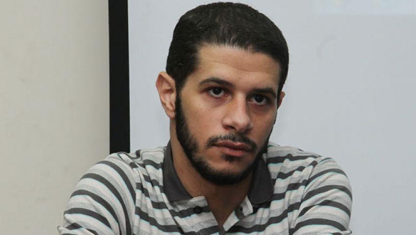 بعد حضوره جلسة التحقيق.. «محمود كامل» يطالب النيابة بإخلاء سبيل «حسام مؤنس»
