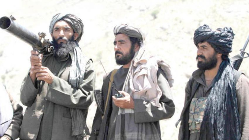 بينهم جهاديون.. الحكومة الأفغانية تعد قائمةً من 250 شخصًا للحار مع «طالبان»