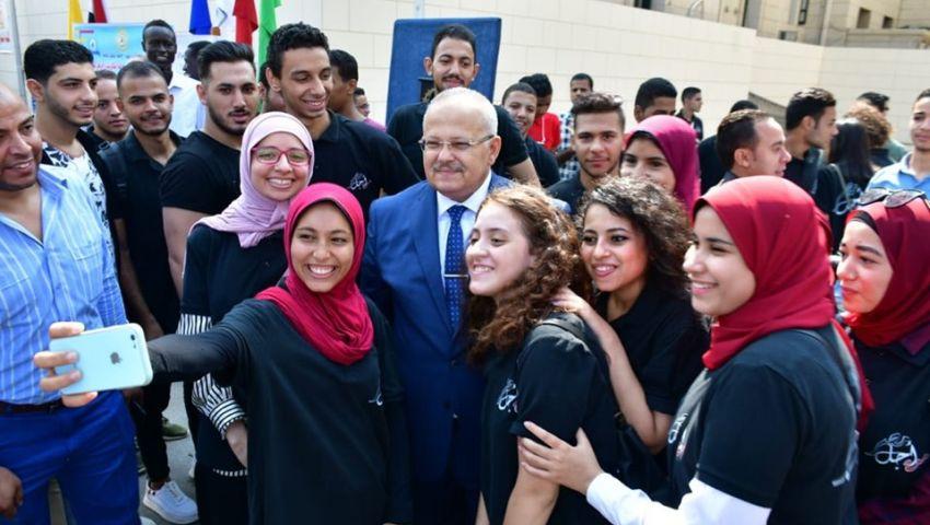 حفلات ومهرجانات.. الجامعات تستقبل 3 ملايين طالب في أول يوم دراسة