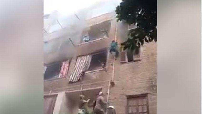 فيديو| سبايدر مان في الزاوية الحمراء.. كيف أنقذ جهاد يوسف ٣ أطفال من حريق شقتهم؟