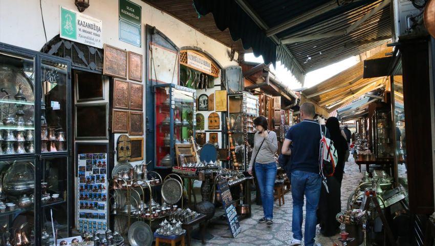 بالصور  سوق باش شارشي بسراييفو.. أزقة تنقلك إلى العصر العثماني