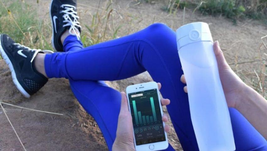 الزجاجة الذكية تؤهلك لتناول كمية أكبر من المياه