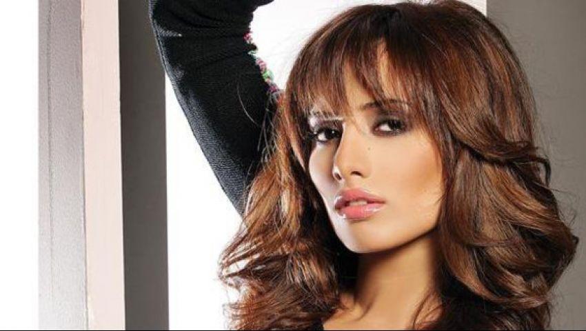 زينة في عيد ميلاد نادية الجندي: كل سنة وانتي  ست الستات