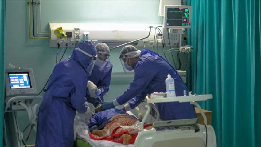 في مستشفى قليوب.. مصاب بكورونا: لم نجد اهتمام والحالات في تزايد مستمر