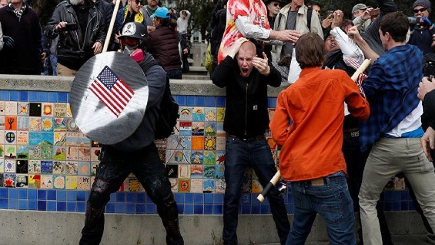 اندلاع مشاجرات خلال مظاهرة مؤيدة لترامبفي كاليفورنيا