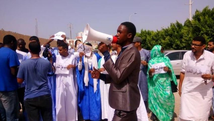 «رايتس ووتش»: موريتانيا أوقفت العمل بتقييد سن الالتحاق بالجامعة بعد اشتعال الاحتجاجات