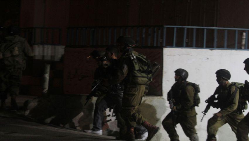 تزايدت في الأسبوع الأخير.. الاعتقالات لم تفارق ضفة فلسطين