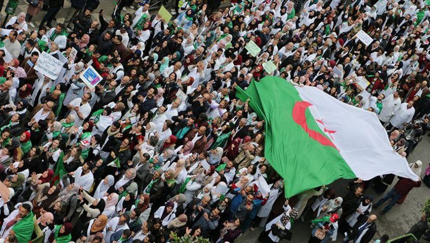 في الجزائر.. المتظاهرون يرفضون حوار اقترحه قائد أركان الجيش