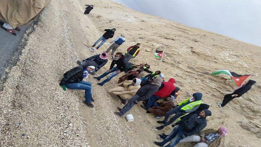 تطالب بوظائف عاجلة.. المسيرات الراجلة مستمرة في الأردن
