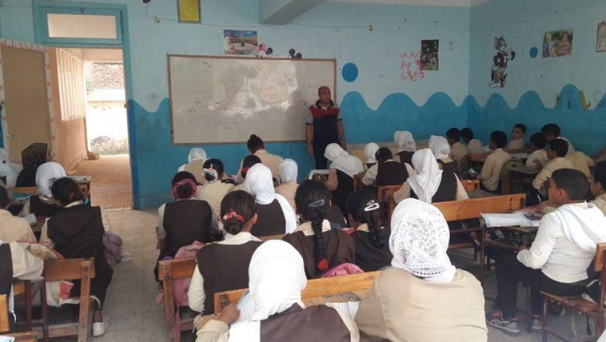 صور| بعد شائعات الالتهاب السحائي.. تعليم الإسكندرية تؤكد انتظام الدراسة بالمدارس