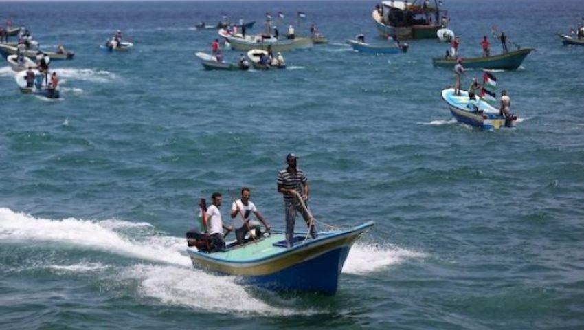 بعد وقف تصدير الأسماك للضفة.. صيادو غزة يضربون عن العمل