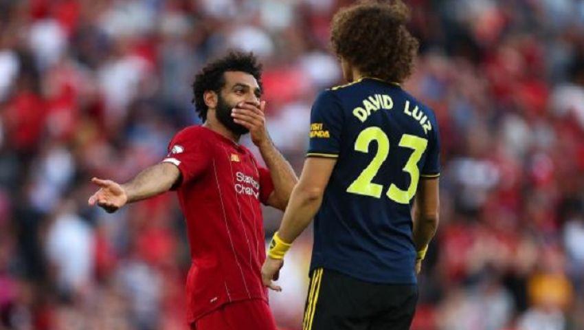 فيديو| كواليس حوار لويز وصلاح أثناء مباراة ليفربول وآرسنال