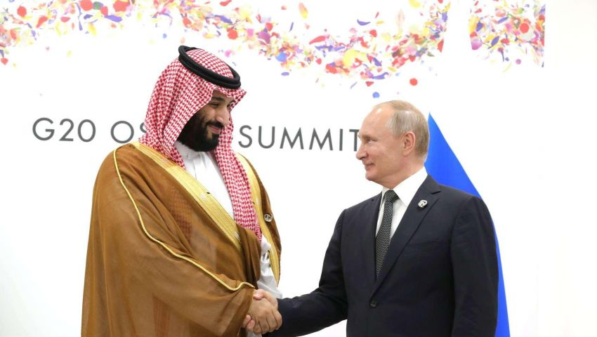 بلومبرج: التنسيق النفطي بين موسكو والرياض أصبح زواجا أبديا