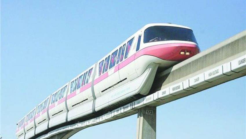 ينقل مليون راكب يوميًا.. 6 معلومات عن القطار المعلق بالإسكندرية